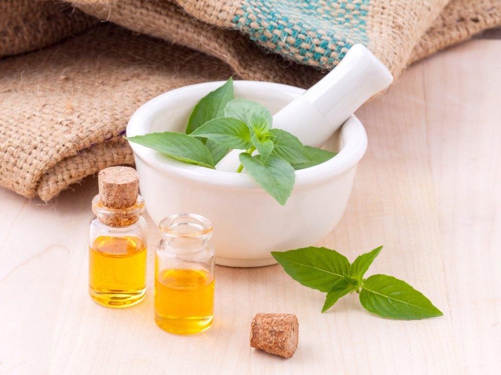 Préparation d'huiles essentielles pour le massage