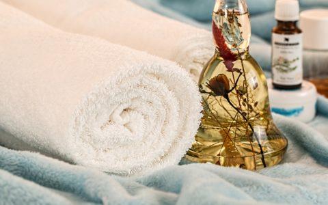 Massages aux huiles essentielles et aromathérapie